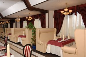 stulia-dlya-restorana