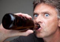 Зависит ли алкоголизм от цвета глаз